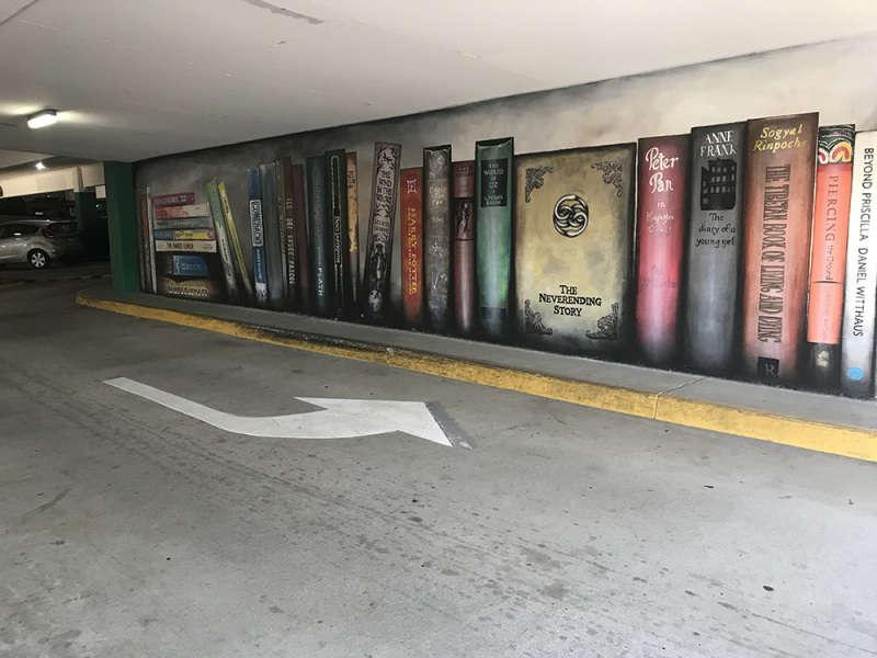 Bookshelf Curb