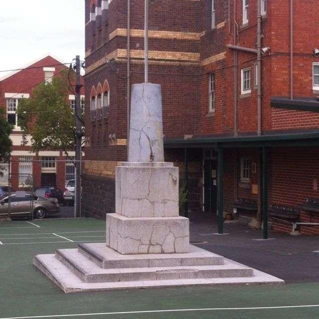 Statue ledge