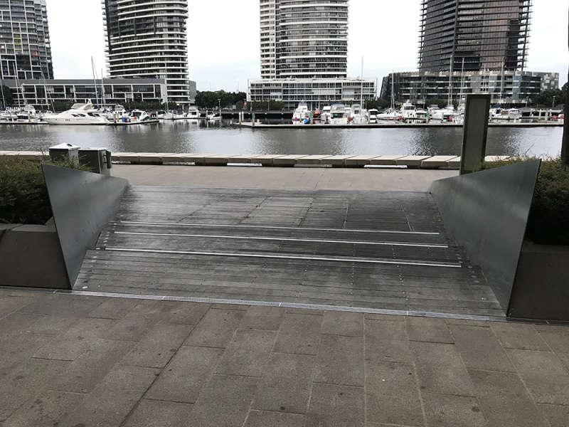 Oz Wharf Bank 2
