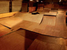/skateparks/france/80100-indoor-skate-park/