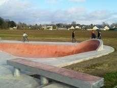 /skateparks/france/beaumont-en-veron-skatepark/