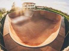 /skateparks/spain/ak-55-hostel-bowl/