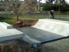 /skateparks/australia/avenel-mini-ramp/