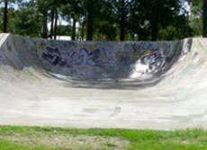 /skateparks/australia/beachmere-bowl/