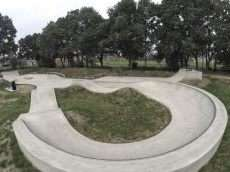 /skateparks/england/church-crookham-skatepark/