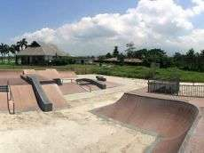 /skateparks/philippies/camsur-skatepark/