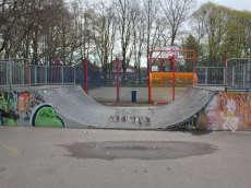 /skateparks/england/fog-lane-skatepark/