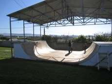 /skateparks/spain/gijon-camping-mini-ramp/