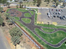 /skateparks/australia/gracemere-pump-track/