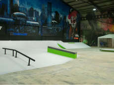 /skateparks/spain/green-indoor-skate-park/