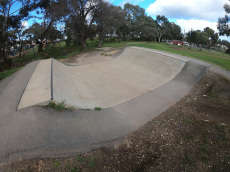 /skateparks/australia/hackham-ramp/