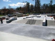 /skateparks/united-states-of-america/hendersonville-skatepark/