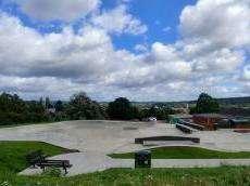 /skateparks/united-kingdom/henley-skatepark/