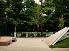 /skateparks/united-states-of-america/holland-skate-plaza/