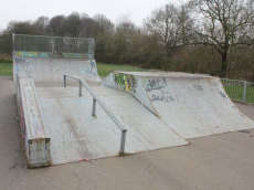 /skateparks/england/holly-hedge-skatepark/