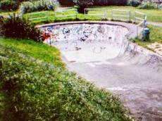 /skateparks/new-zealand/johnsonville-old-bowl/