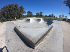 /skateparks/australia/kinross-skate-park/