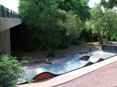 /skateparks/france/la-courrouze-skatepark/