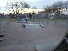 /skateparks/england/ladybarn-skatepark/