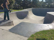 /skateparks/new-zealand/lynfield-bowl/