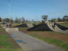 /skateparks/australia/melton-south-bmx-track/