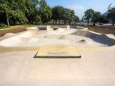 /skateparks/england/moor-park-skatepark/