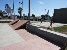 /skateparks/united-states-of-america/nickerson-gardens-skatepark/