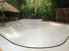 /skateparks/indonesia/pipes-hostel-bowl/