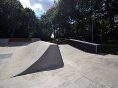 /skateparks/united-kingdom/rivermead-skatepark/