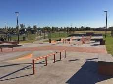 /skateparks/united-states-of-america/suprise-farms-skate-park/