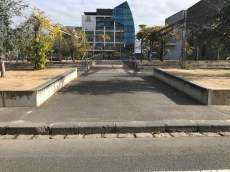 Uni Square Ledges