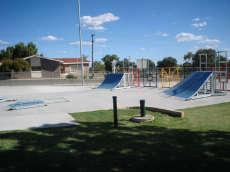 /skateparks/australia/wongan-hills-skate-park/